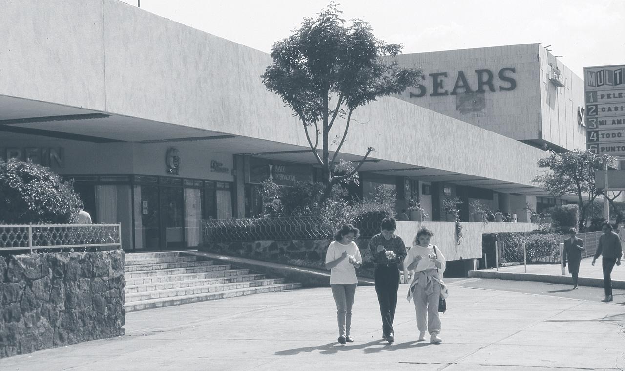 Plaza Universidad Fibra Soma